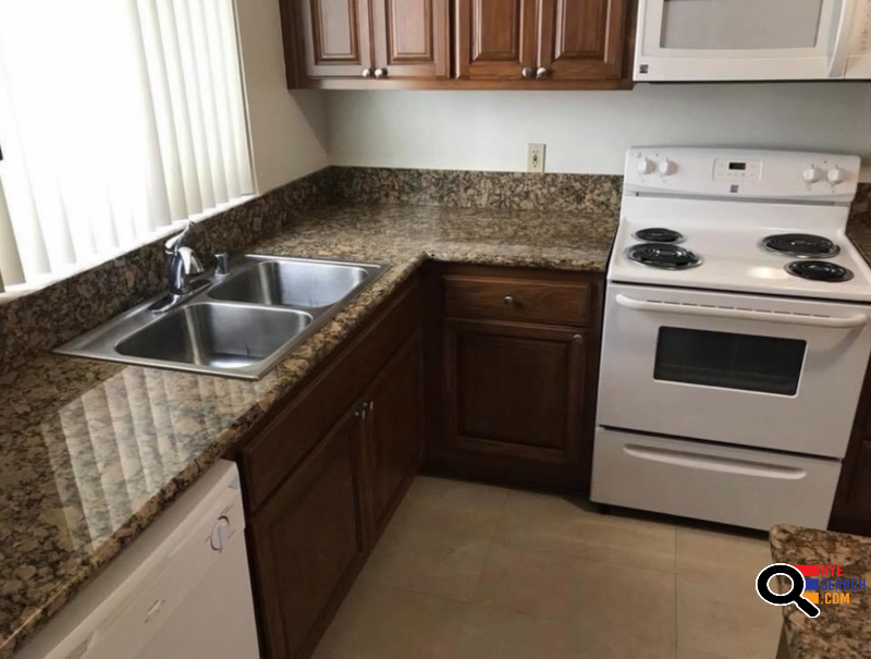 Roommate Wanted: 2B/2B Apartment in Beverly Hills, CA