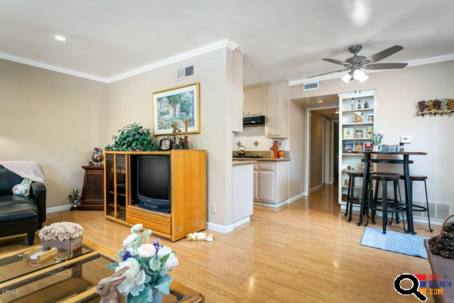 House for Sale in Tujunga, CA