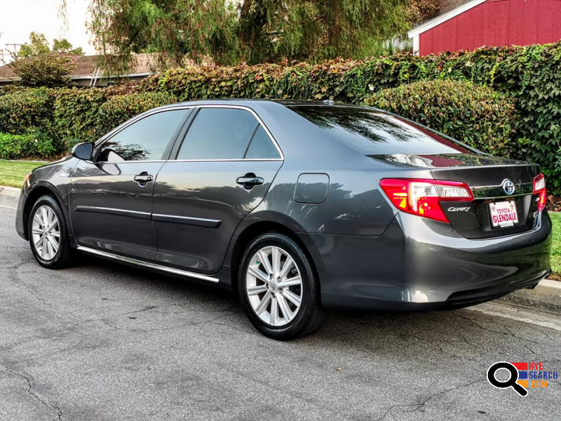 2014 Toyota Camry Hybrid XLE Sedan 4D for Sale in Pasadena, CA