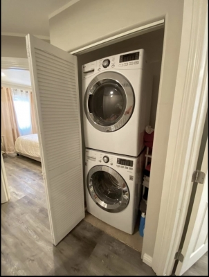 Townhouse for Rent in Heart of Glendale, CA