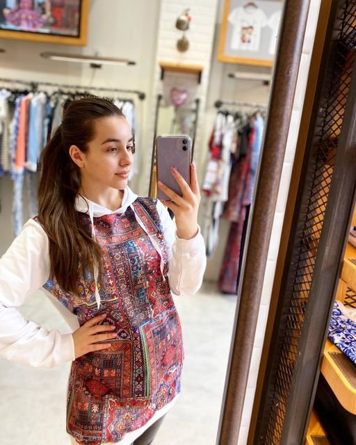 Anahit Simonyan Fashion USA in Glendale, CA