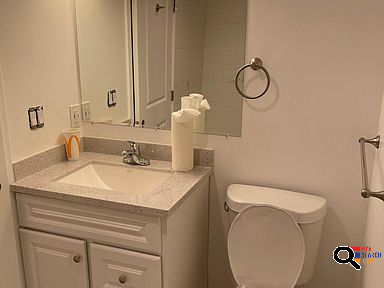 Apartment For Rent in Glendale, CA