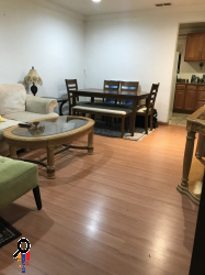 One bedroom unit, Central A/C, Pergo Flooring, Garage Parking in Tujunga, CA