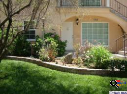 Gorgeous 3Bed 2.5 Bath Townhouse for Rent in Glendale, CA