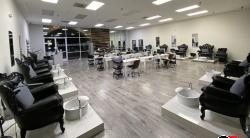 Upscale & Modern large Nail Salon In Glendale
